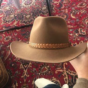 Other - Dynafelt outback fur blend hat